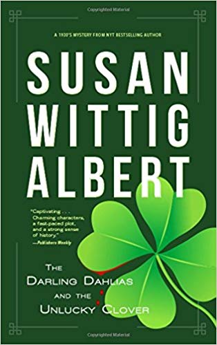 Susan Wittig Albert – The Darling Dahlias and the Unlucky Clover Audiobook